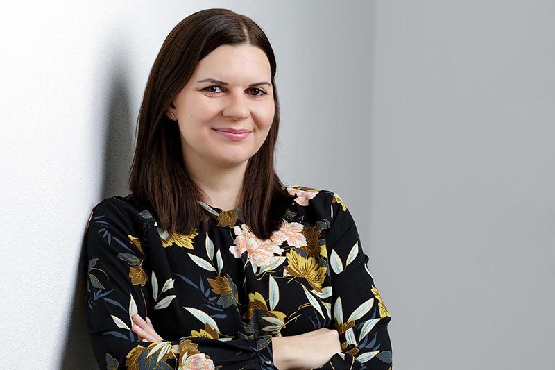 Sonja Schwarz, Confici